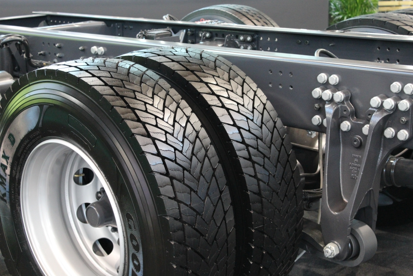 wheel-tire-truck-black-tread-motor-vehicle-1431239-pxhere